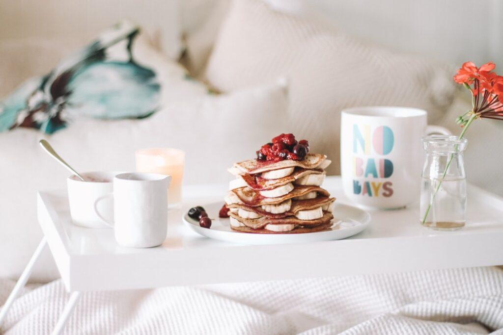 sladké zdravé raňajky do postele